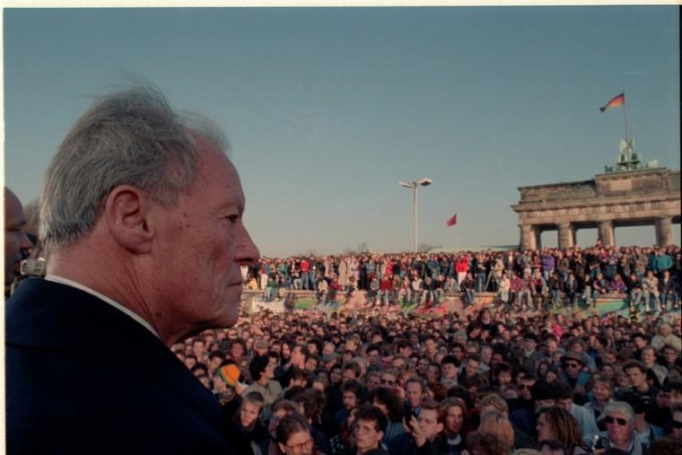 https://www.willy-brandt-biografie.de/wp-content/uploads/2017/04/1989_Brandt_Mauerfall_1503-760x507.jpg